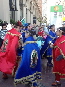 walk-for-life-2013-mexican-dancers